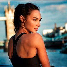 Gal Gadot is one of the absolute most beautiful women to ever live on this planet. We'll dive into her well kept tricks. Welcome to Top Celebrity TV's Top Five Gal Gadot Beauty Secrets. Gal Gadot Instagram, Gal Gardot, Gal Gadot Wonder Woman, Modelos Fashion, Celebs, Celebrities, Hollywood Actresses, Hollywood Model, Beautiful Actresses