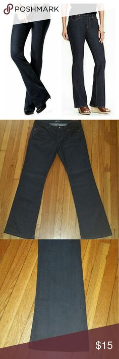 "Low Rise Jeans (final price) Style: The Diva   Lowest Rise Bootcut Stretch  30"" inseam   Size 6 short   EUC Old Navy Jeans Boot Cut"