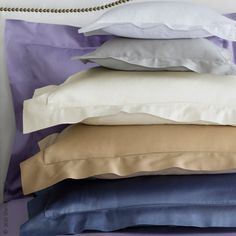 Dream of heaven awhile. Fiona is Sferra's entry level Italian Egyptian cotton sateen — a very special blend of yarns woven to a silky soft hand. Finished with a classic hemstitch, choose Fiona for a fantastic night's sleep.