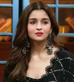 Beautiful Bollywood Actress, Most Beautiful Indian Actress, Indian Celebrities, Bollywood Celebrities, Bollywood Fashion, Bollywood Stars, Alia Bhatt Photoshoot, Aalia Bhatt, Alia Bhatt Cute