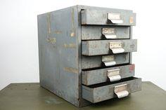 Online veilinghuis Catawiki: Industrieel metalen ladekast met 6 lades