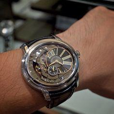 #AudemarsPiguet #Audemars_Piguet #Automatic #tourbillon #luxury #Tourbillon_Watches #Watches #watch #Watchs #mysihh #Gorgeous #watchporn #wristgame #watchlover #watchnerd #instawatch by alincoco4444
