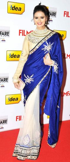 Meenakshi Dixit at the 60th South Filmfare Awards. #Bollywood #Kollywood #Tollywood #Fashion
