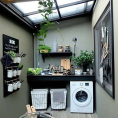 7 Small Laundry Room Design Ideas - Des Home Design Outdoor Laundry Rooms, Tiny Laundry Rooms, Laundry Room Design, Outside Laundry Room, Laundry Decor, Laundry Baskets, Design Kitchen, Small Laundry Area, Laundry Shelves