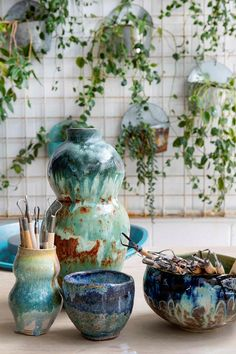 turquoise, blue and green painted ceramic vases and bowls Best Boutique Hotels, Ceramic Houses, Eco Friendly House, Plastic Waste, How To Make Homemade, Home Fragrances, Indoor Plants, Luxury Homes