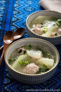 Soothing Winter Melon Soup with Meatball (冬瓜丸子汤) Asia Food, Laos Food, Chinese Soup Recipes, Asian Recipes, Winter Melon Soup, Winter Melon Recipe Chinese, Confinement Food, Melon Recipes, Pork Soup