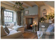 Modern Living Room Colors, Living Room Color Schemes, Cozy Living Rooms, Home Living Room, Living Room Designs, Modern Room, Colour Schemes, Country Cottage Living Room, Country Cottage Interiors