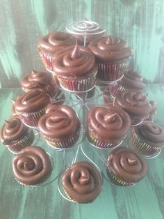 Well Dined | Vegan Chocolate Avocado Cupcakes #vegan