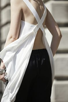 cross back detail for apron could also work on a Summer top