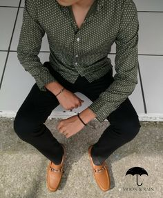 I like these pieces separately, but not together. Everyday Casual Outfits, Chill Outfits, Preppy Boys, Style Masculin, Masculine Style, Henleys, Herren Outfit, Dapper Men, Dark Jeans