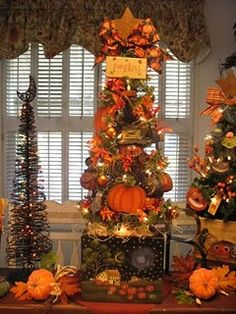New Starlight Pumpkins Halloween Tree, could leave up through Thanksgiving