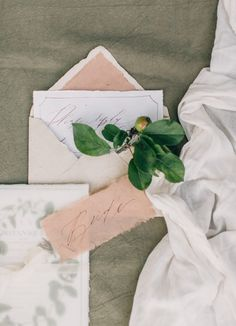 Secret garden inspiration Garden Wedding Inspiration, Stationery Set, Blooming Flowers, Green Wedding Shoes, Botanical Prints, Earthy, Floral Arrangements, Beautiful Pictures, Gift Wrapping