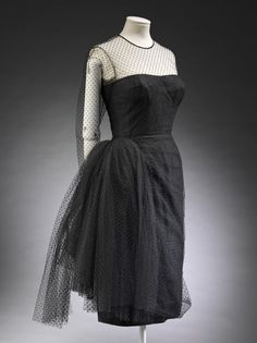 Cocktail dress Place of origin: Paris, France (made) Date: ca. 1955 (made) Artist/Maker: Grès, Madame, born 1903 - died 1994 (designer) Materials and Techniques: Spotted net Credit Line: Given by Mrs Leo dErlanger Madame Gres, Moda Fashion, 1950s Fashion, Vintage Fashion, 1950s Style, Vintage Outfits, Vintage Dresses, Costume Smoking, Victoria And Albert Museum