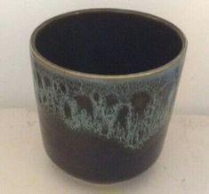 fosters pottery honeycomb Green Small Vase or Pot 1950s Art, Urn Vase, Pottery Designs, Art Deco Design, Ceramic Vase, Honeycomb, The Fosters, Shot Glass, Porcelain