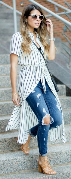 Pam Hetlinger shows us the perfect way to pull off a long striped dress with ripped denim jeans in a wonderfully quirky outfit! Shops: Not specified