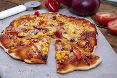 Házi pizza villámgyorsan Hungarian Recipes, Hungarian Food, Taco Pizza, Pavlova, Food 52, Hawaiian Pizza, Vegetable Pizza, Yummy Food, Vegetables