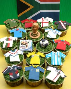 The 2014 FIFA World Cup™ is coming up, which means it's time to throw a soccer party! Here's a round up of ideas. Soccer Cake Pops, Soccer Cupcakes, Soccer Theme, Football Birthday, Soccer Party, School Cupcakes, Sport Theme, Party Cupcakes, Sports Party