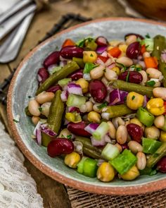 This healthy, hearty, and refreshing Oil Free Five Bean Salad is so easy to pull together for a quick salad, work lunch, picnic, or your next potluck. Healthy Lunches For Work, Healthy Eating, Work Lunches, Five Bean Salad, Vegetarian Recipes, Healthy Recipes, Detox Recipes, Vegan Party Food, Plant Based Eating