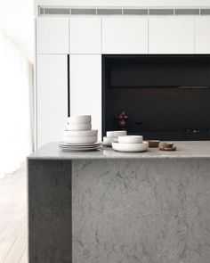Perfect Caesarstone Symphony Grey 10 on Home Ideas Design Ideas with HD Resolution pixels is Best Fresh Home Design and Interior Decorating Architecture of The Years 2019 Contemporary Beach House, Contemporary Kitchens, Caribbean Homes, Kitchen Colors, Kitchen Ideas, Splashback, Profile Design, Colour Schemes, Kitchen Dining