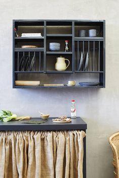 Kitchen Bar Counter, Kitchen Rack, Kitchen Storage, Kitchen Shelves, Cutlery Storage, Side Plates, Plates On Wall, Minimal Kitchen, Kitchens