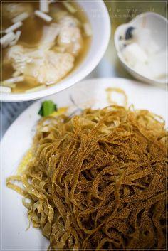 香港特色蝦子撈粗麵!