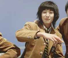 Pre-Debut Chanyeol - I JUST SPAT OUT MY MAC AND CHEESE AGAIN (GIF)