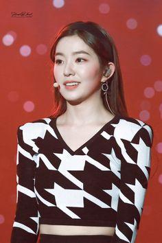 South Korean Girls, Korean Girl Groups, Korean Girl Fashion, Womens Fashion, Red Velvet Irene, Seulgi, Girl Photos, Amazing Women, Asian Girl