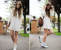 Opt for a more vibe by styling Doc Martens with a babydoll-style LWD. It's a fun mix of grunge and girlie. Botas Dr Martens, White Doc Martens, Dr Martens Boots, Doc Martens Outfit, Doc Martens Style, Outfits Otoño, Cool Outfits, Summer Outfits, Fashion Outfits