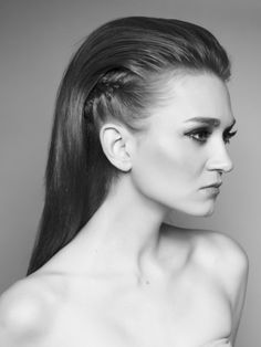 Create this sleek slick backed hair with side braid by styling with Wahl Academy WA:19 Klay. Our clay leave a long lasting hold with a matte finish so you can rock the look for the whole night!