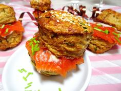 Cheese Scones als Fingerfood/Partyfood - Applethree - Food Cheese Scones, Fingerfood Party, Salmon Burgers, Finger Foods, Silvester Party, Ethnic Recipes, Savory Scones, Finger Food Recipes, Food Trip