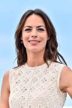 berenice-bejo-at-redoubtable-photocall-at-2017-cannes-film-festival-05-21-2017_1.jpg (1200×1798)