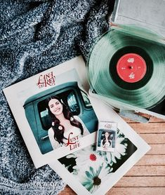 Lana Del Rey❤️ discovered by n u r i j a ♡ on We Heart It Music Aesthetic, Aesthetic Vintage, Vinyl Music, Vinyl Records, Vinyl Cd, Lana Del Rey Vinyl, Nirvana Songs, Love Store, Record Players