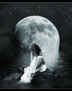 woman under the moon Moon Photos, Moon Pictures, Angel Pictures, Double Exposition, Arte Obscura, Moon Shadow, Under The Moon, Moon Magic, Beautiful Moon