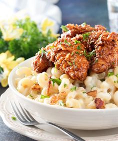 4 Cheese Mac and Cheese with Honey Pepper Chicken - The Chunky Chef Recipes With Chicken And Peppers, Chicken Stuffed Peppers, Chicken Recipes, Pepper Chicken, Cheese Recipes, Pasta Dishes, Food Dishes, Main Dishes, Kfc Mac And Cheese