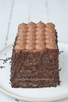 Snelle cake met Nutellaslagroom en hagelslag, Lekker en heel leuk om te maken. Easy cake with Nutella-cream and chocolate, Delicious and fun to make!