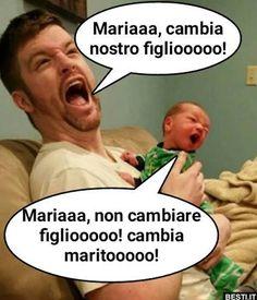 Funny Baby Jokes, Stupid Funny Memes, Funny Babies, Funny Posts, Funny Quotes, Funny Messages, Funny Cards, Italian Memes, Funny Phrases