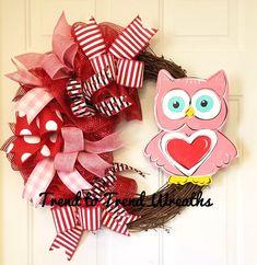Grapevine Owl Wreath, Valentines Day Wreath, Heart Wreath, Red and Pink Wreath, Valentines Decor, Wreath, Front Door Wreath,Valentine Owl