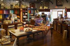Warmth, familiarity, and many of the comforts of home and family is what quilt shop owners Dee Grantham and Whitney Erickson give their customers at their Phoenix, Arizona, quilting oasis.