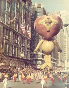 Linus the Lionhearted in Macy's Thanksgiving Day parade (New York City)