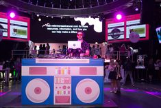 On-theme graphics from print sponsor were displayed around the venue, including a DJ booth that offered music from DJs Brains 4 Brkfst and Nick Marshall. Event Themes, Event Decor, Event Ideas, Party Ideas, 90s Party Outfit, 80s Party, Fm Band, The Sorry Girls, Retro Fitness