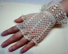 Vintage Style Crochet Lace Gloves, beige, fingerless