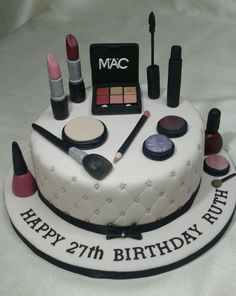 Make-up artist cake. 30th Birthday Cake For Women, Birthday Cake Girls Teenager, 13 Birthday Cake, Adult Birthday Cakes, Fondant Cake Designs, Cake Decorating With Fondant, Birthday Cake Decorating, Fondant Cakes, Cookie Decorating