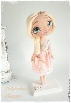 Pretty Blonde Doll.