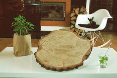 Księga gości weselnych wykonana z plastra drewna brzozowego.