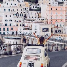 W L'ITALIA! Traveler In Amalfi Regram @cntraveler ph @lucylaucht #TravelerInAmalfi #ThisIsGlamour #HolidayTime  via GLAMOUR ITALIA MAGAZINE OFFICIAL INSTAGRAM - Celebrity  Fashion  Haute Couture  Advertising  Culture  Beauty  Editorial Photography  Magazine Covers  Supermodels  Runway Models