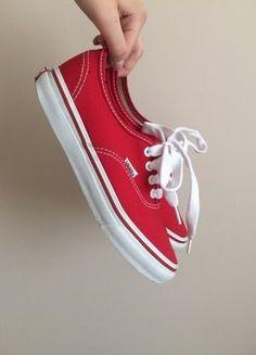 Kup mój przedmiot na #vintedpl http://www.vinted.pl/damskie-obuwie/trampki/17636399-czerwone-vansy-authentic