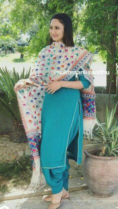 Punjabi Salwar Suits, Designer Punjabi Suits, Patiala Suit, Indian Designer Wear, Indian Suits, Indian Wear, Indian Fashion Dresses, Punjabi Fashion, Phulkari Suit
