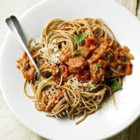 Spaghetti with Best-Ever Bolognese Sauce by Better Homes and Gardens. No exaggerations here. This best-ever spaghetti dinner features a mouthwatering blend of beef, veggies, and warm garlic-tomato sauce atop a bed of al dente pasta. Sauce Recipes, Pasta Recipes, Dinner Recipes, Cooking Recipes, Cooking Tips, Beef Dishes, Pasta Dishes, Food Dishes, Main Dishes