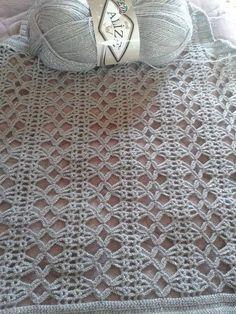 Hand Knitting Women's Sweaters - Knitting and Crochet Filet Crochet, Crochet Motifs, Crochet Chart, Crochet Stitches Patterns, Crochet Designs, Stitch Patterns, Knitting Patterns, Hand Knitting, Diy Crafts Knitting