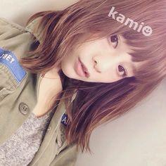 田中亜希子san「気持ちよいくらいラクな髪♡ 巻かずに手ぐしでいいなんて! 新しい髪型にすると慣れるまで苦労しますが、この髪型はほんとにいい♡ さて、荷造り荷造り♡ #ヘアスタイル#ヘア#ボブ#ミディアム#ママヘア#無造作ヘア#ストレートヘア」